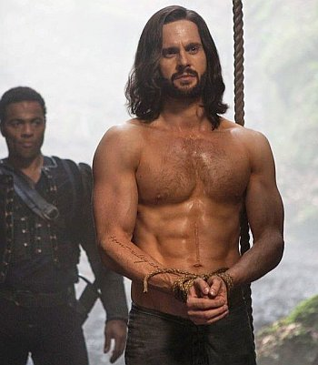 tom riley body abs