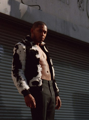Kelvin Harrison Jr shirtless abs2