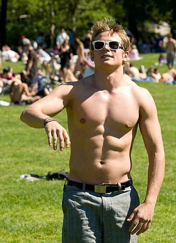 billy magnussen shirtless abs