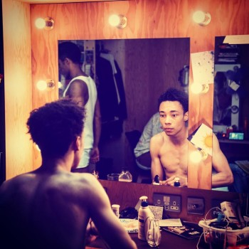kit young shirtless theater actor msnd lysander
