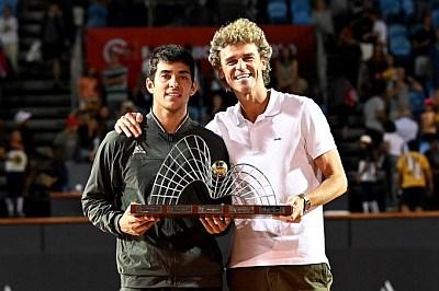 Cristian Garin trophy - rio open with gustavo kuerten