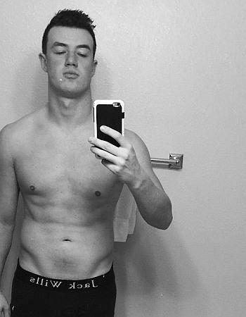 Kai Widdrington underwear selfie