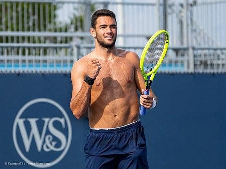 Matteo Berrettini shirtless tennis player