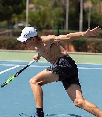 alex de minaur shirtless tennis hunk
