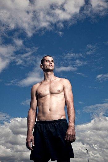 hot track athletes - romain mesnil
