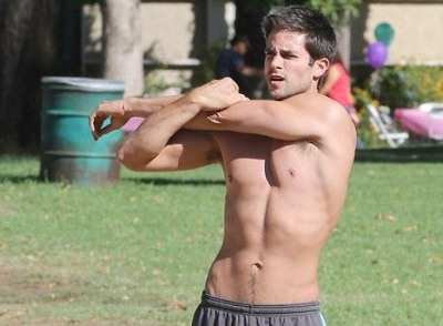 Brant Daugherty young snail trail