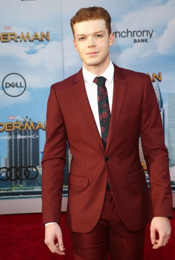 Cameron Monaghan hot in suit and tie - red carpet