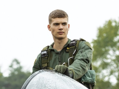 Josha Stradowski hot men in uniform