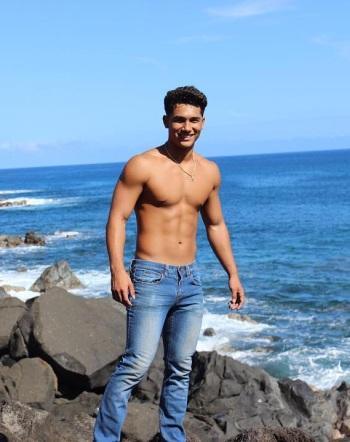 Kekoa Kekumano shirtless body in jeans