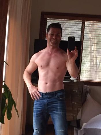 Yannick Bisson shirtless zaddy from twitter @yannick_bisson