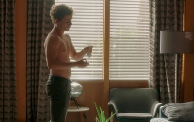 eli brown shirtless in pretty little liars - the perfectionists