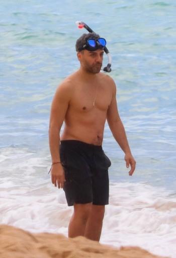 oscar isaac shirtless