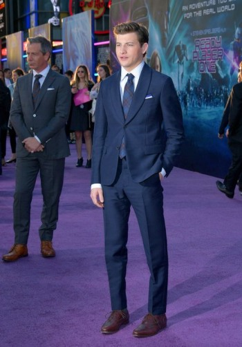 tye sheridan suit and tie ready player one